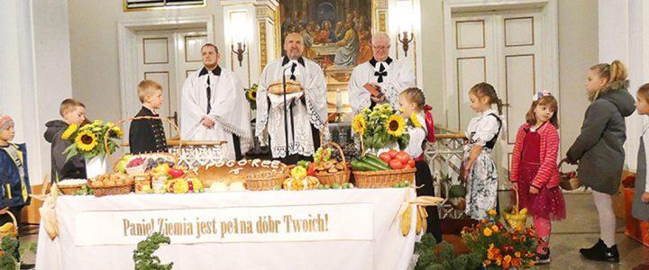 Ogólnoparafialne Dziękczynne Święto Żniw w Skoczowie