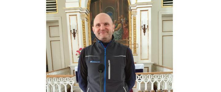Uzupełnienie mikrofonów w skoczowskim kościele